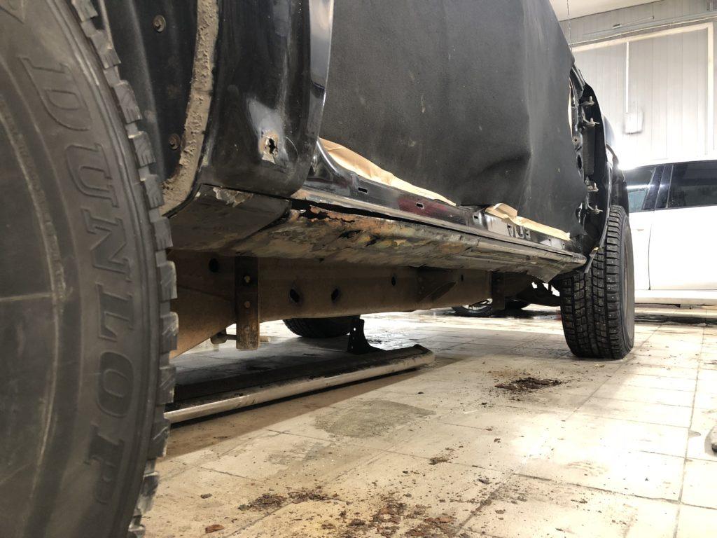 Причина ремонта — сгнивший порог