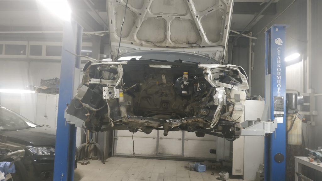 Chevrolet Lacetti, демонтаж двигателя
