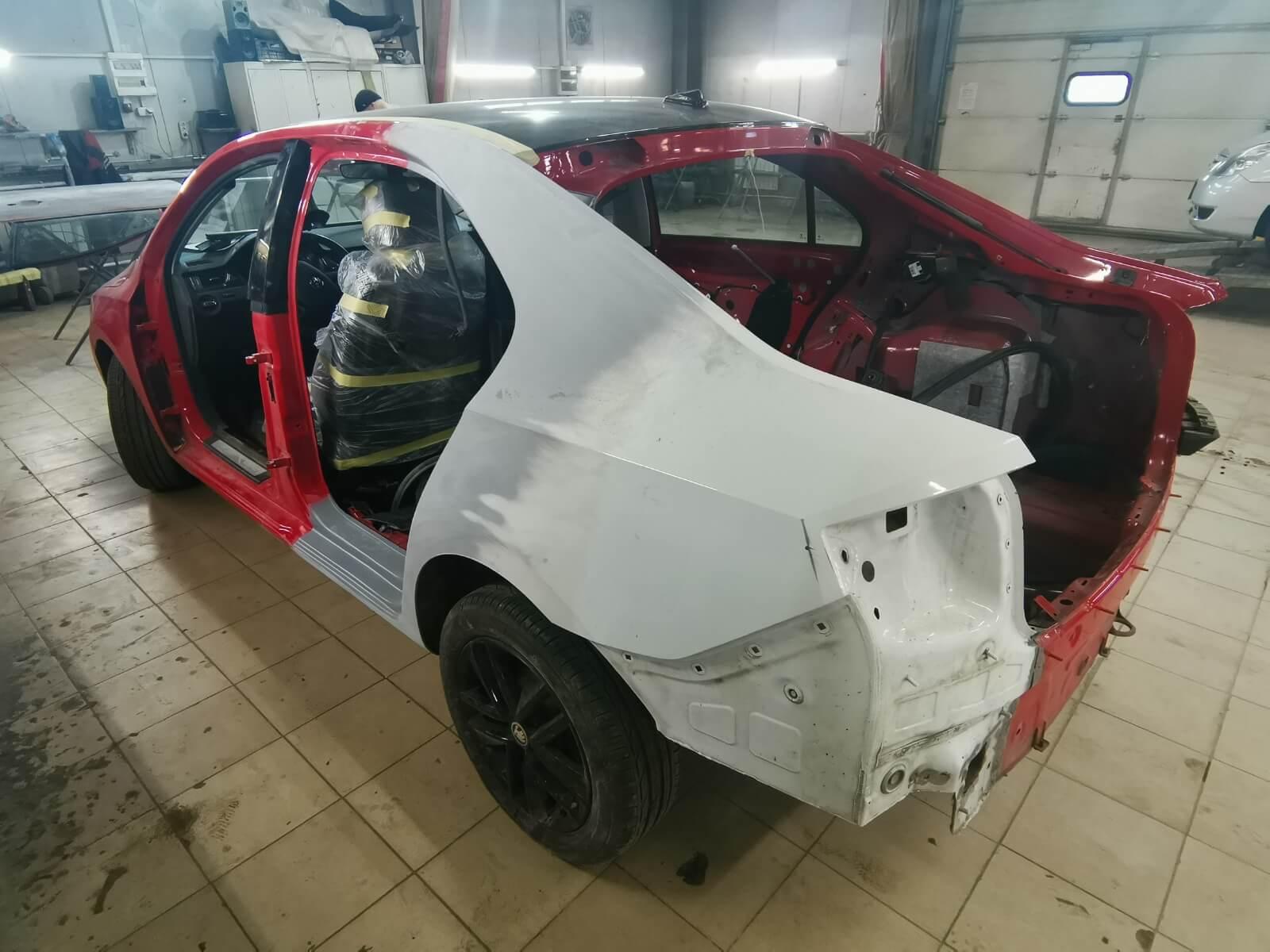 Автомобиль загрунтован и готов к покраске вместе с навесными элементами кузова